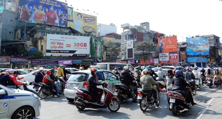 hanoi - scooters 3
