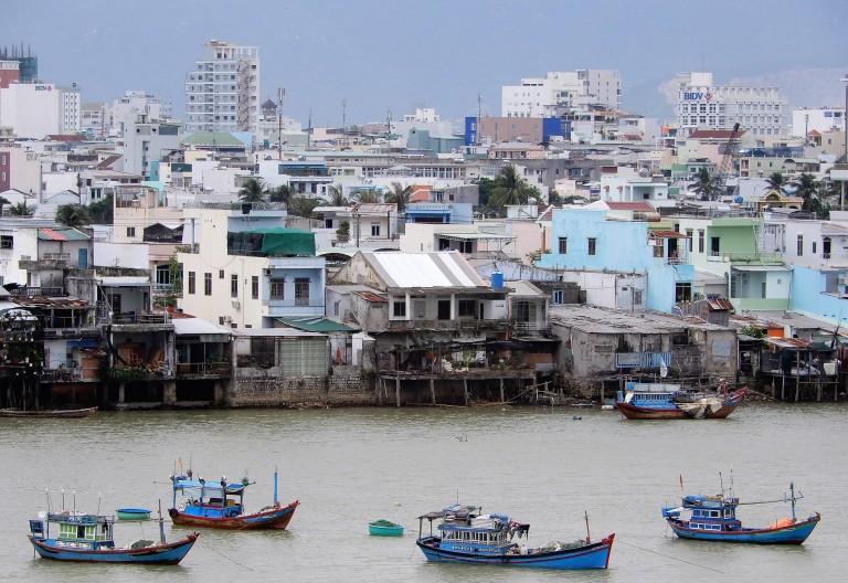 nha trang - slums2